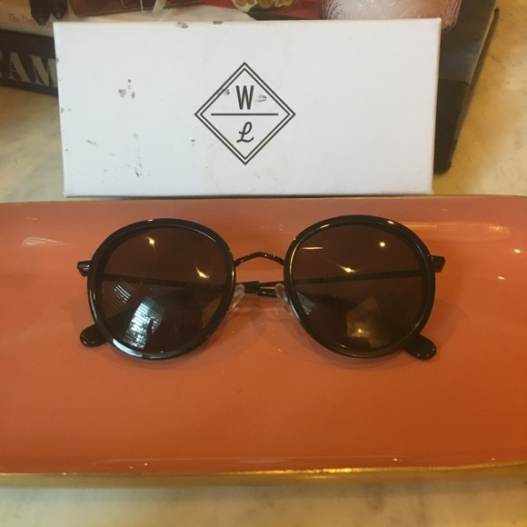 d2e6d4b632 Wonderland sunglasses. M 5ac568dd5512fda2d22e5a68